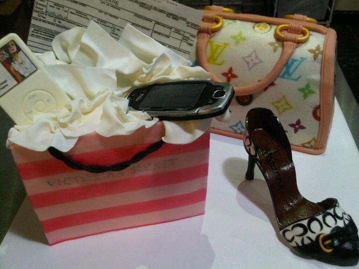 Shopaholic Cake by Michelle O'Neill